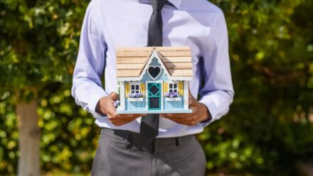 7 Reasons to Use a Realtor for Selling Homes in Corona